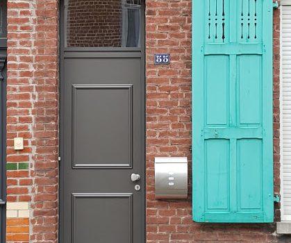 porte d 39 entr e avec imposte en aluminium de chez kline collection cr ative instinct fen tres. Black Bedroom Furniture Sets. Home Design Ideas