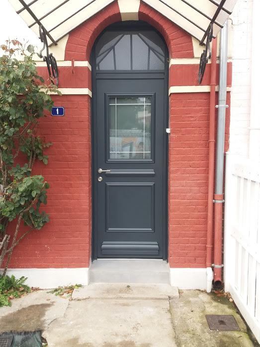 Pose DUne Porte DEntre En Aluminium De Chez Kline  Arras